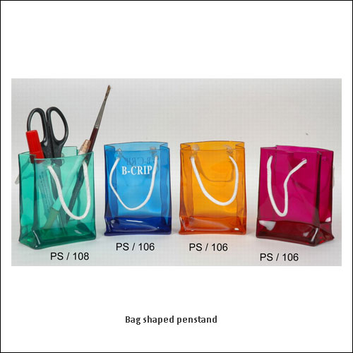 Bag-shaped-penstand--low-resolution