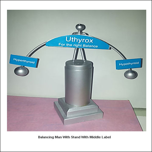 Balancing-man-with-stand-with-middle-label