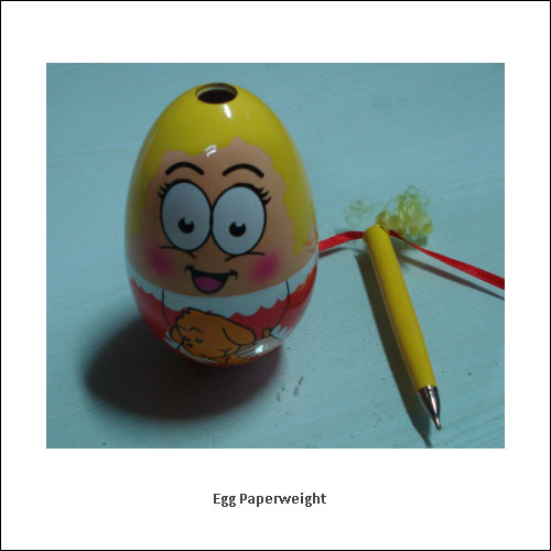 Egg-Paperweight