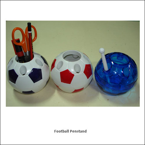 Football-Penstand---low-resolution