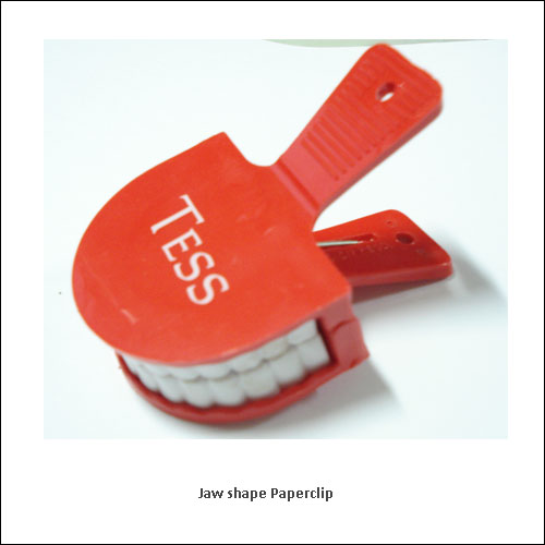 Jaw-shape-Paperclip