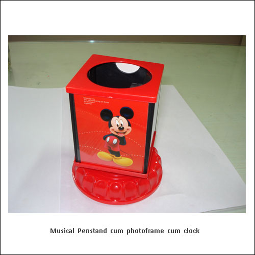 Musical-Penstand-cum-photoframe-cum-clock---low-resolution