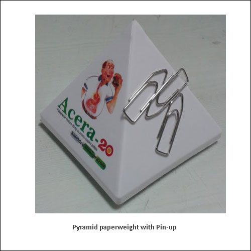 Pyramid-paperweight-with-Pin-up