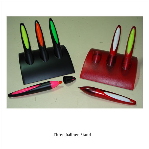 Three-Ballpen-Stand---low-resolution