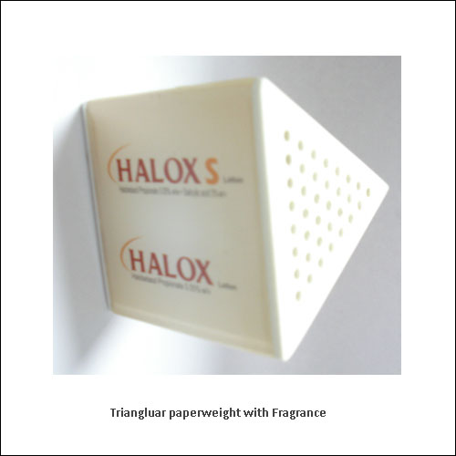 Triangluar-paperweight-with-Fragrance